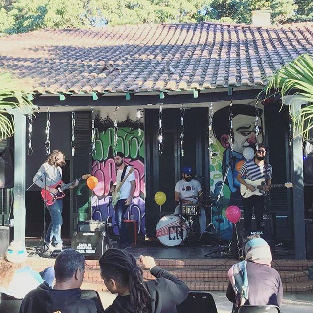 Segundo ano que participamos da Virada Cultural, dessa vez no nesse lugar lindo que é o Parque Raul Seixas, em Itaquera ❤  Semana que vem tem mais, na Casa de Cultura M'Boi Mirim!
