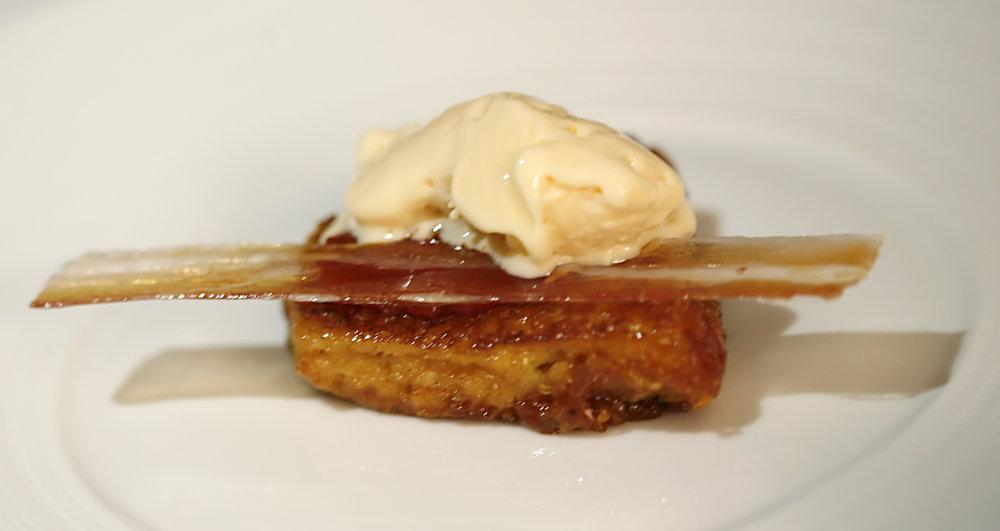 Nitro-Scrambled_Egg_and_Bacon_Ice_Cream.jpg