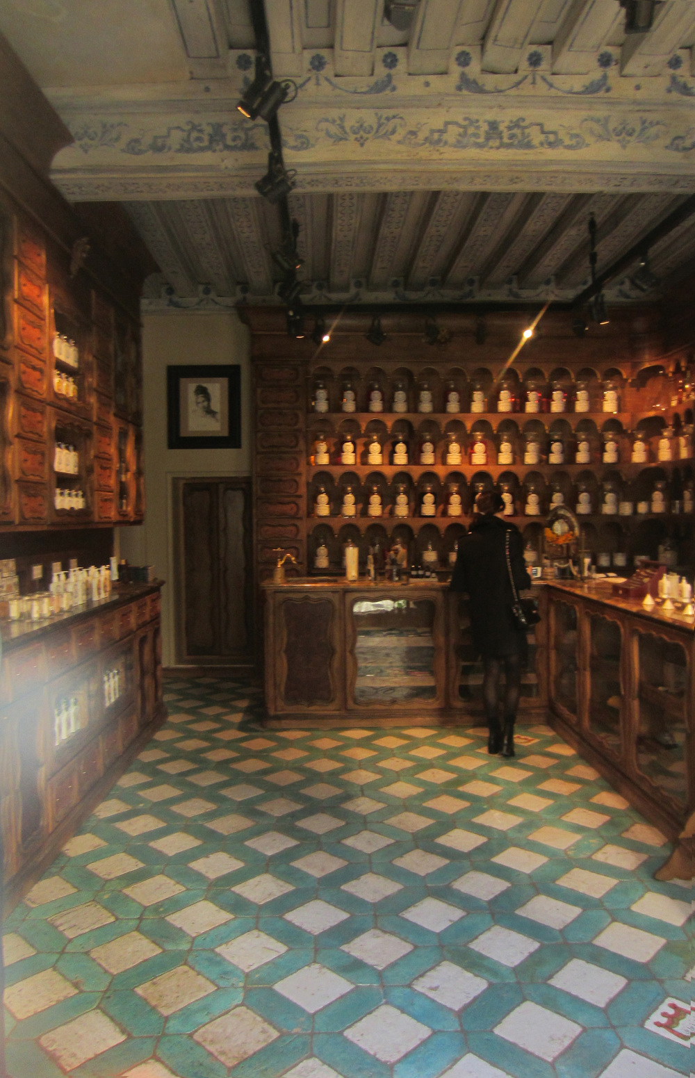 Honore de Balzac was inspired by this perfume shop Jean Vincent Bully in his novel Cesar Birotteau  .