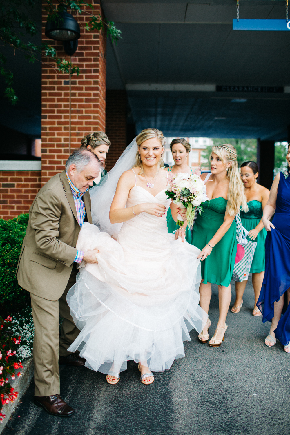 0815_colorful_nh_wedding_009.jpg