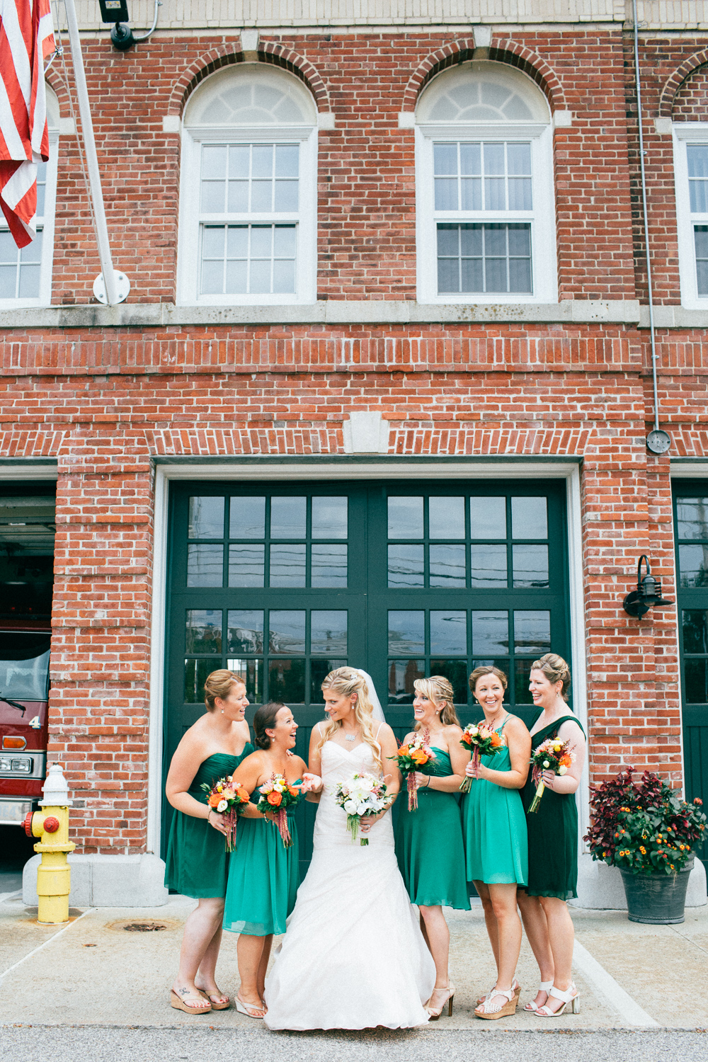 0815_colorful_nh_wedding_017.jpg