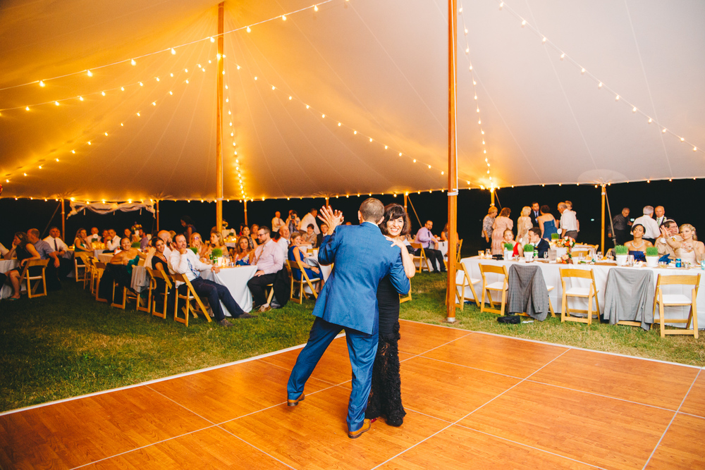 0815_colorful_nh_wedding_029.jpg