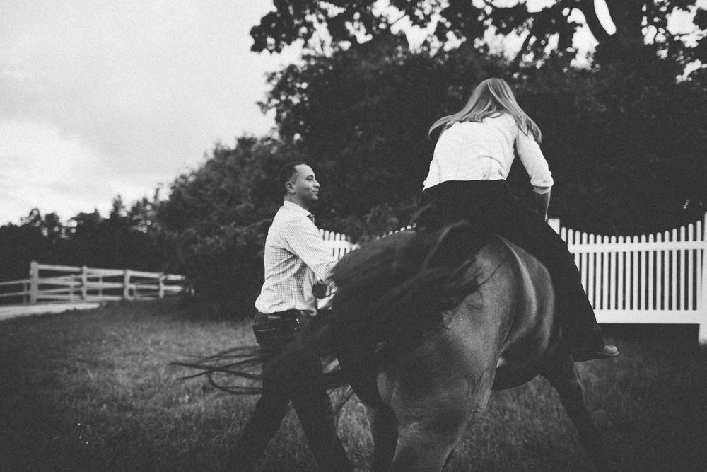 Engagement Session on a Horse Farm_0008.jpg