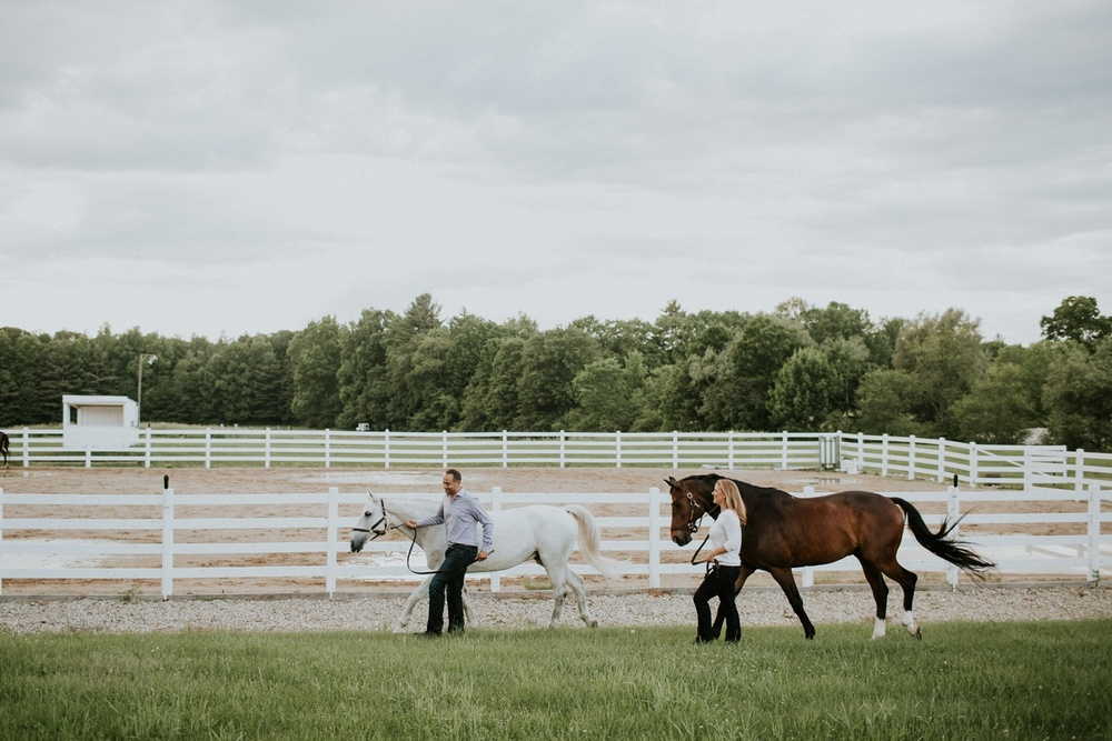 Engagement Session on a Horse Farm_0007.jpg