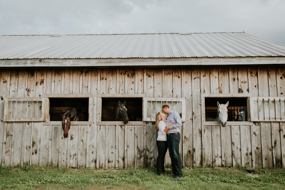 Engagement Session on a Horse Farm_0016.jpg