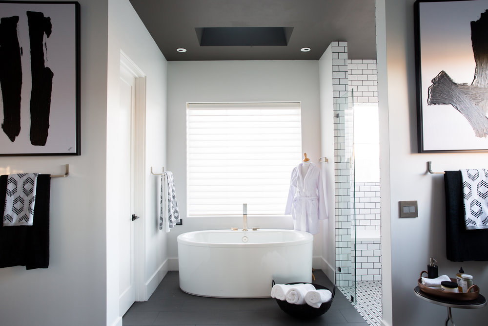 HGTV Smart Home 2017 master bath.jpg