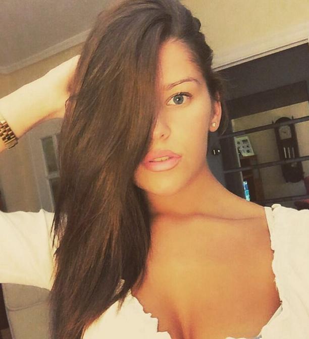 Ariada Villares Cruz 4.png