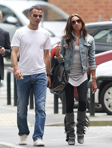 Stacey Cooke Giggs 2.jpg