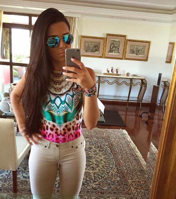 Larissa Saad 4.png