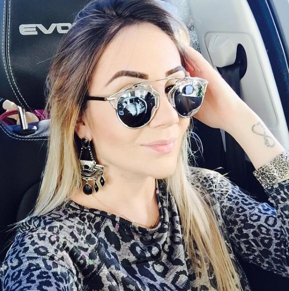 Larissa Pereira 5.png