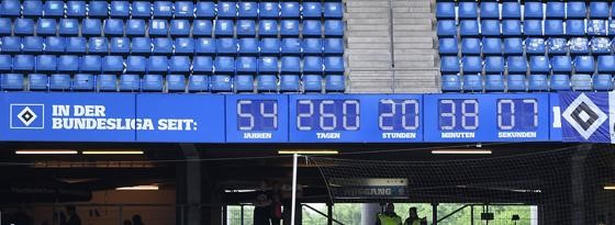 "The clock finally stopped ticking.  ""In the Bundesliga since: 54 years, 260 days, 20 hours, 30 minutes, 7 seconds"""