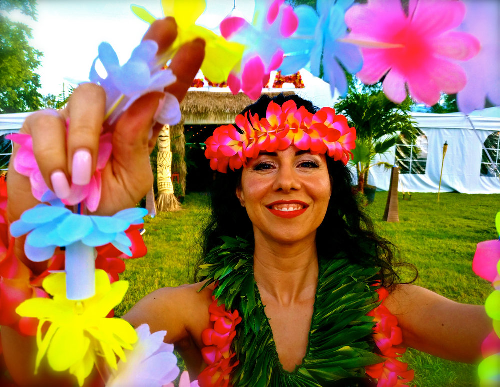 1 Hawaiian Dancer:Lei Greeter.jpg