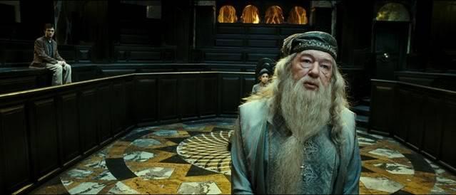 DumbledorebeforeWizangamotOotP.jpg