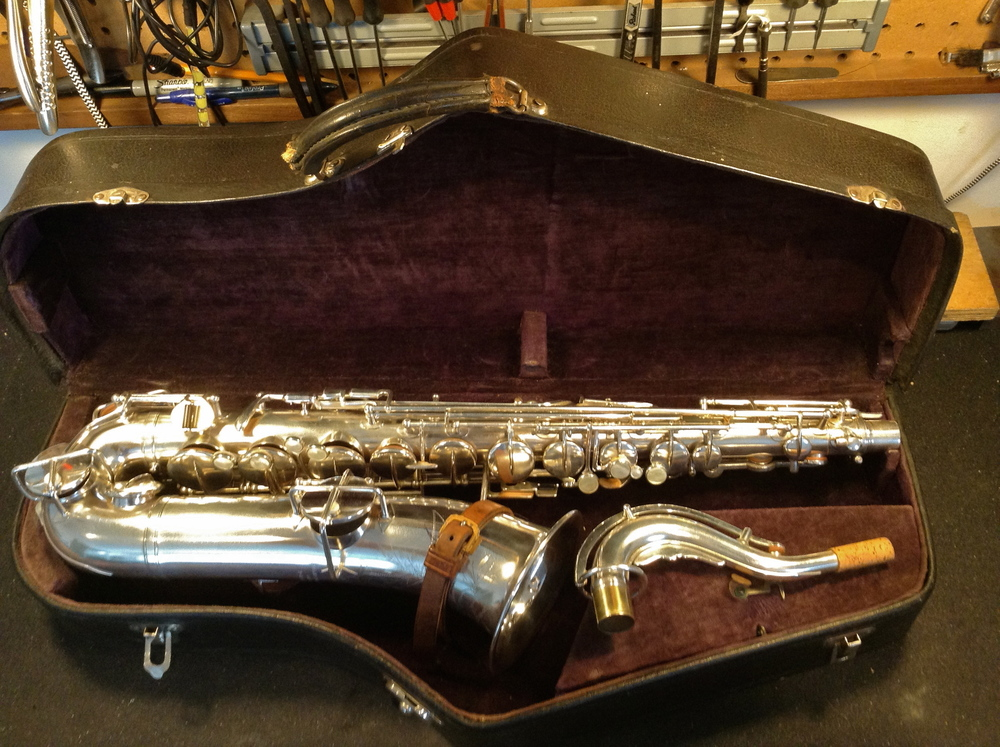 Many hours later - looking fine!  Seeing it sitting the case I can imagine the excitement someone must have felt picking up their brand new Buescher from the local music store in 1921.  Pretty cool.