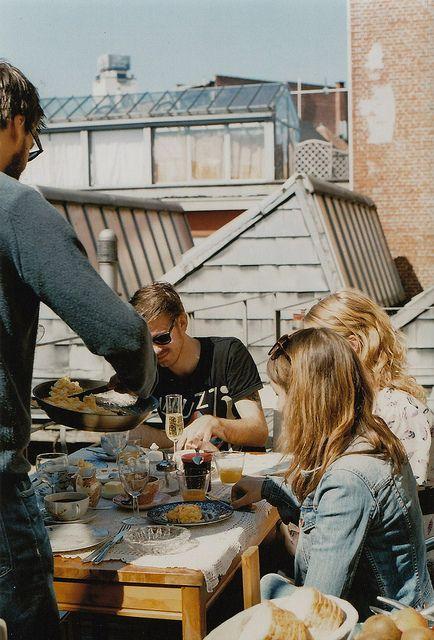 terraza con amigos.jpg