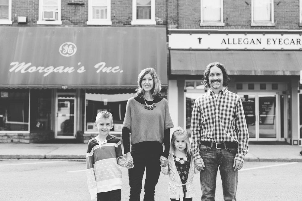 Jillian VanZytveld Photography - West Michigan Lifestyle Photography - 19.jpg