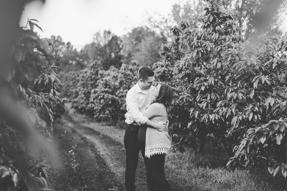 Jillian VanZytveld Photography - Grand Rapids Maternity Photography - 43.jpg