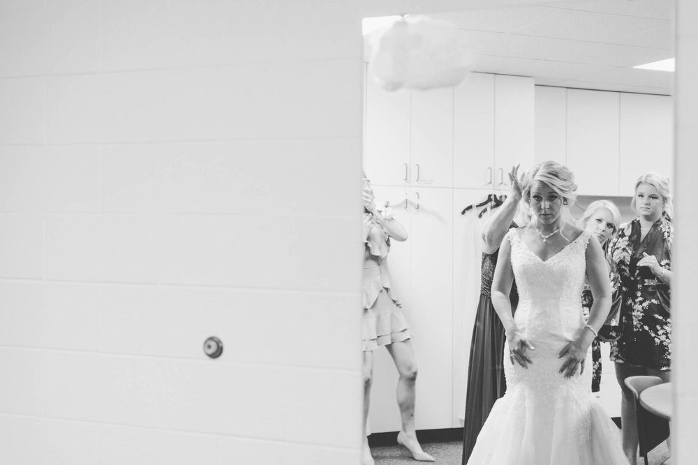 Jillian VanZytveld Photography - Grand Rapids Lifestyle Wedding Photography - 027.jpg