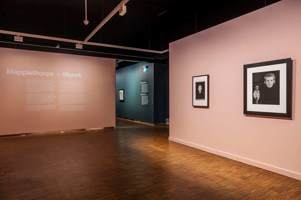p2_mapplethorpe_plus_munch_exhibition_view_photo_by_vegard_kleven_munch_musset_oslo_yatzer.jpg