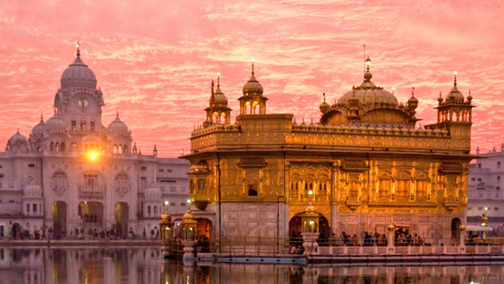 GoldenTemple_istock_india.jpg