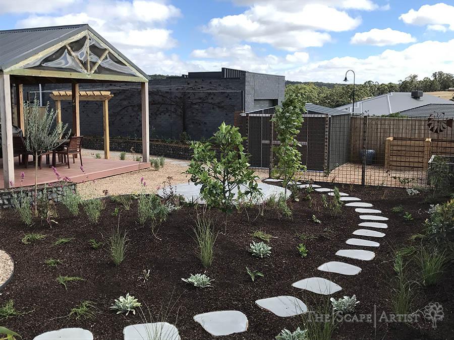 landscaper_ballarat_clunes-daylesford-hepburn_garden-paving_04.jpg