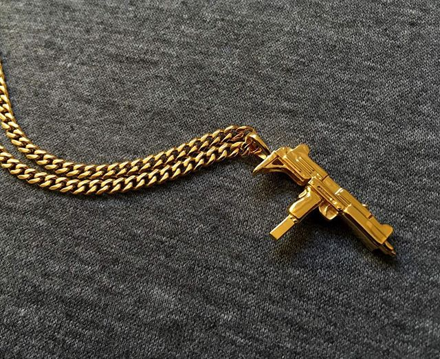 Our cuban chains are back in stock! Uzi pendant, equipped with the Cuban chain. Available online