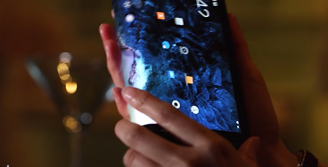Image of video of Royole FlexPai phone.png