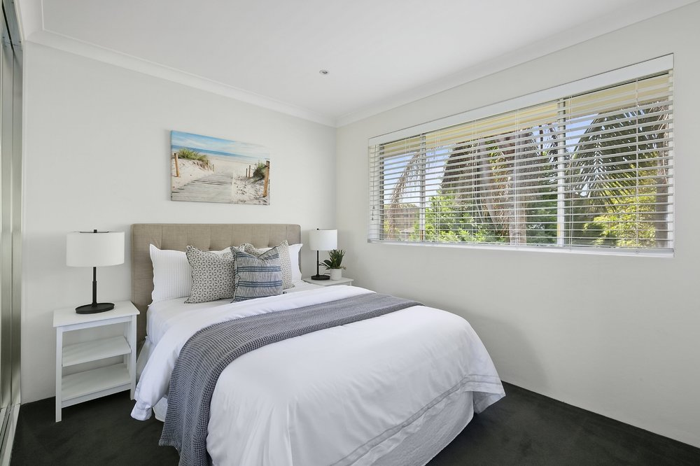 howard_ave_deewhy_mainbedroom_stage_sell_3.jpg