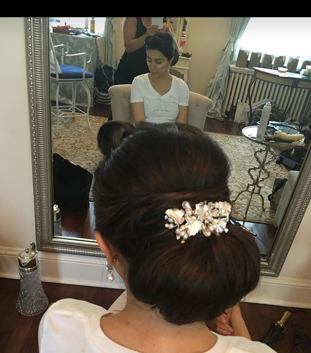 #tanaz_hair #salonetoiles #weddinghair  #knots  #weddingblogger  #weddingtime  #weddingfun  #weddingupdo