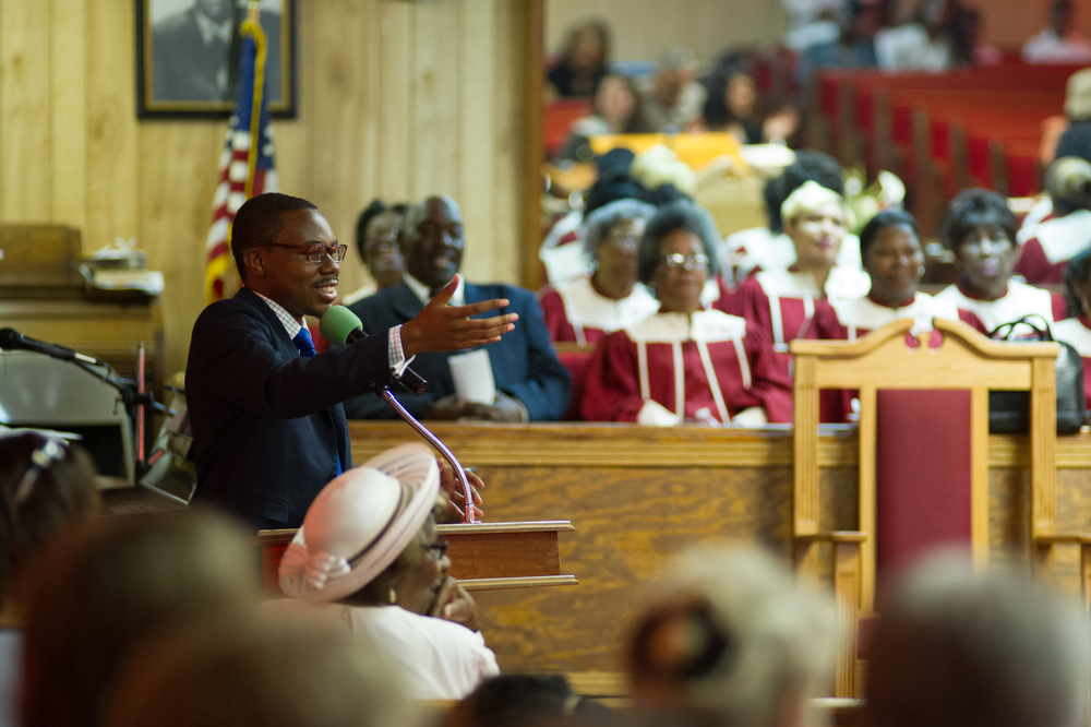 Tim Lampkin introduces visitors to the congregation at New Bethel Missionary Baptist Church in Clarksdale.