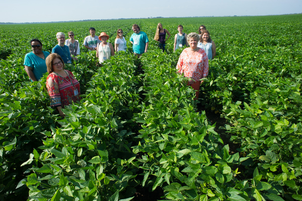 NEH workshop participants experiencing the Delta's rich fertile soil.