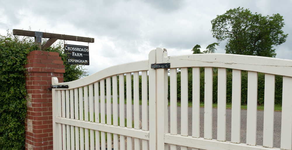 Crossroads Farm Gate
