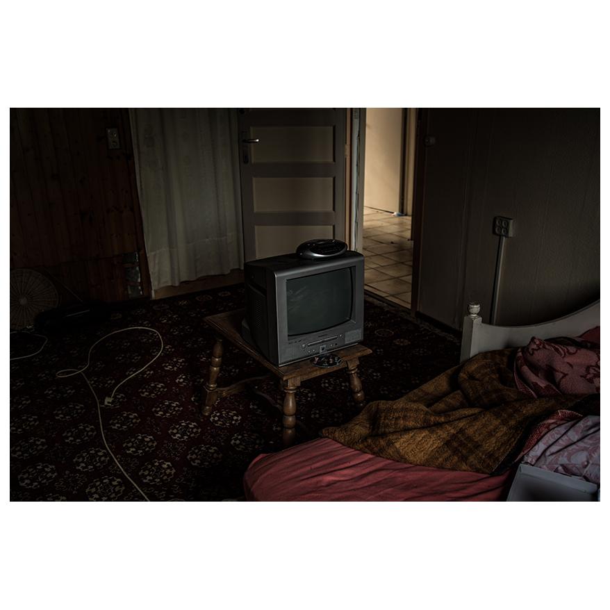 tvset.jpg