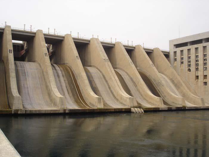 Euphrates Dam 1.jpg