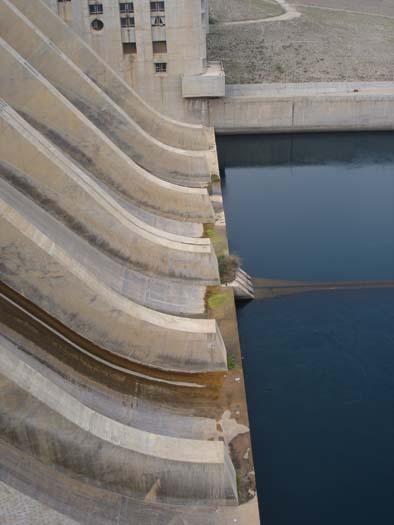 Euphrates Dam 3.jpg