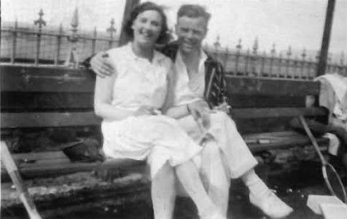 Reg and Edna 1930.jpg