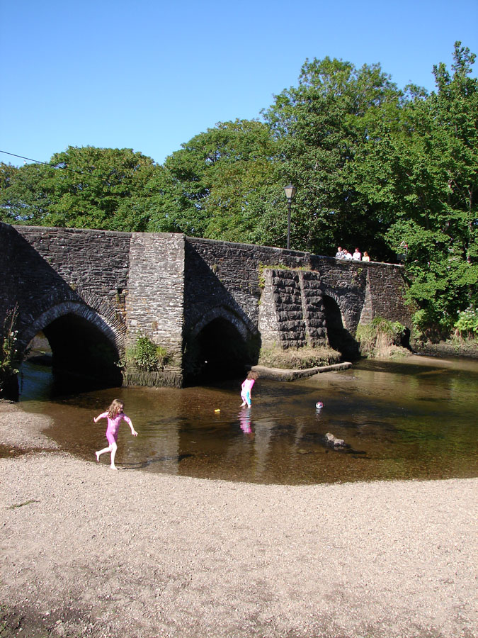 Lostwithiel Picnic Spot by Bridge.jpg