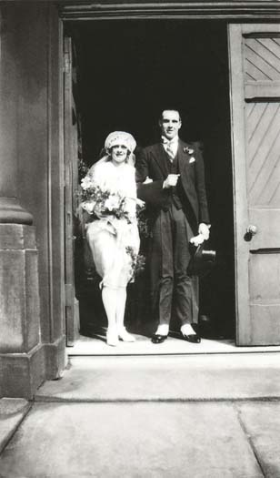 Stanley and Doris Wolstenholme 1927.jpg