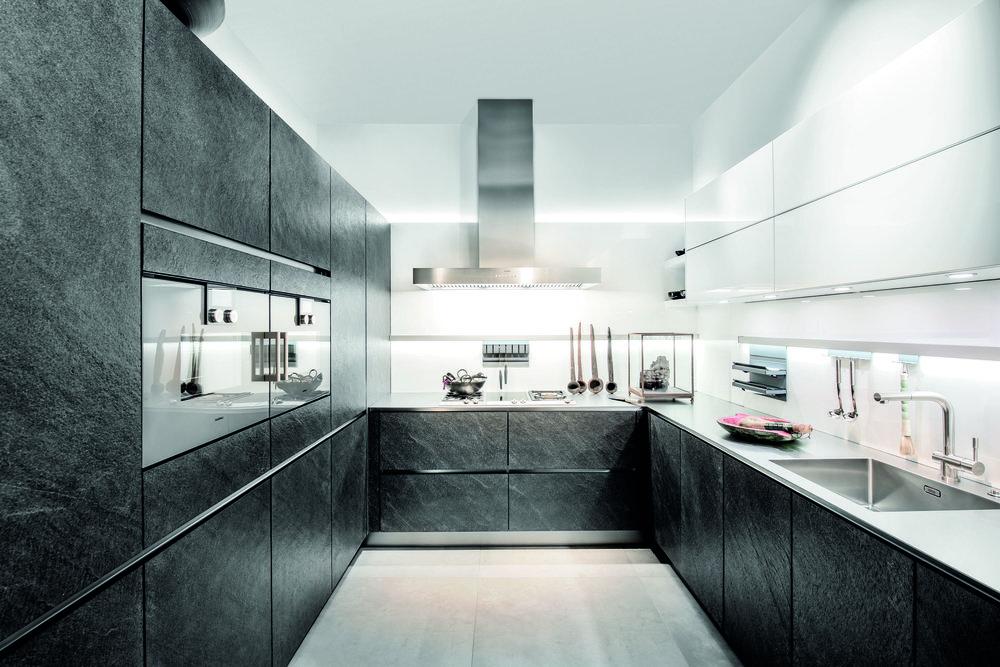 Koje29_AV7030GL_Black_Star_wet_kitchen.jpg