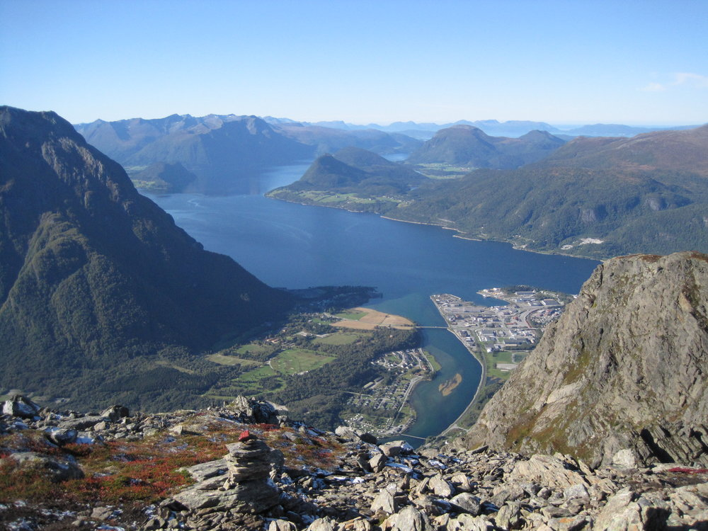 Here you see a picture from the hike called Romsdalseggen. This hike is one the most spectacular hikes in norway and here you can see one of the reasons why!                                                                                                                                                               Foto by: H. Bakke