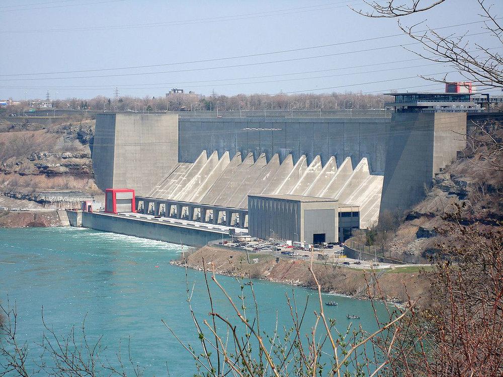 Robert_moses_niagara_power_plant_01.jpg