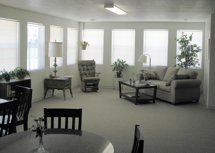 graham estates interior small.jpg