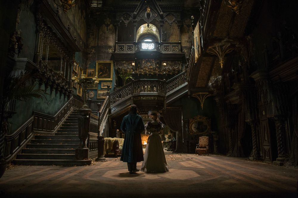 del Toro's Allerdale Hall, complete with spatially destabilizing staircases, ghostly doubles, creeping apparitions, and just pure gothic gorgeousness.