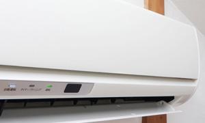自動掃除機能付きエアコン