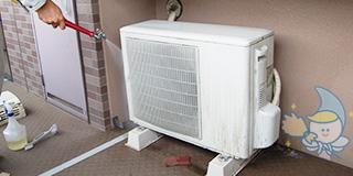 レンタル&クリーニングのお掃除・ハウスクリーニング エアコン室外機もお掃除すれば熱交換率アップで節電対策にも。コスト節約・キレイな空気循環で一石二鳥!