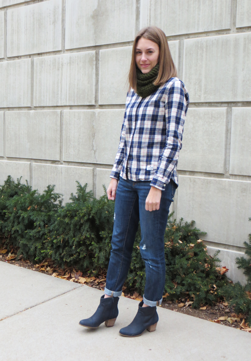 Forest green scarf, plaid flannel shirt, boyfriend jeans, navy ankle boots — Cotton Cashmere Cat Hair