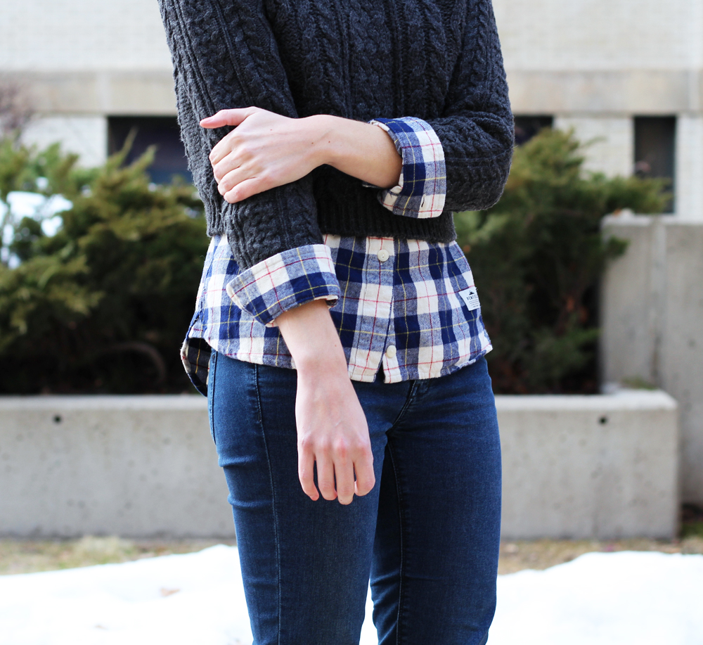 Cropped sweater + plaid flannel shirt + skinny jeans — Cotton Cashmere Cat Hair
