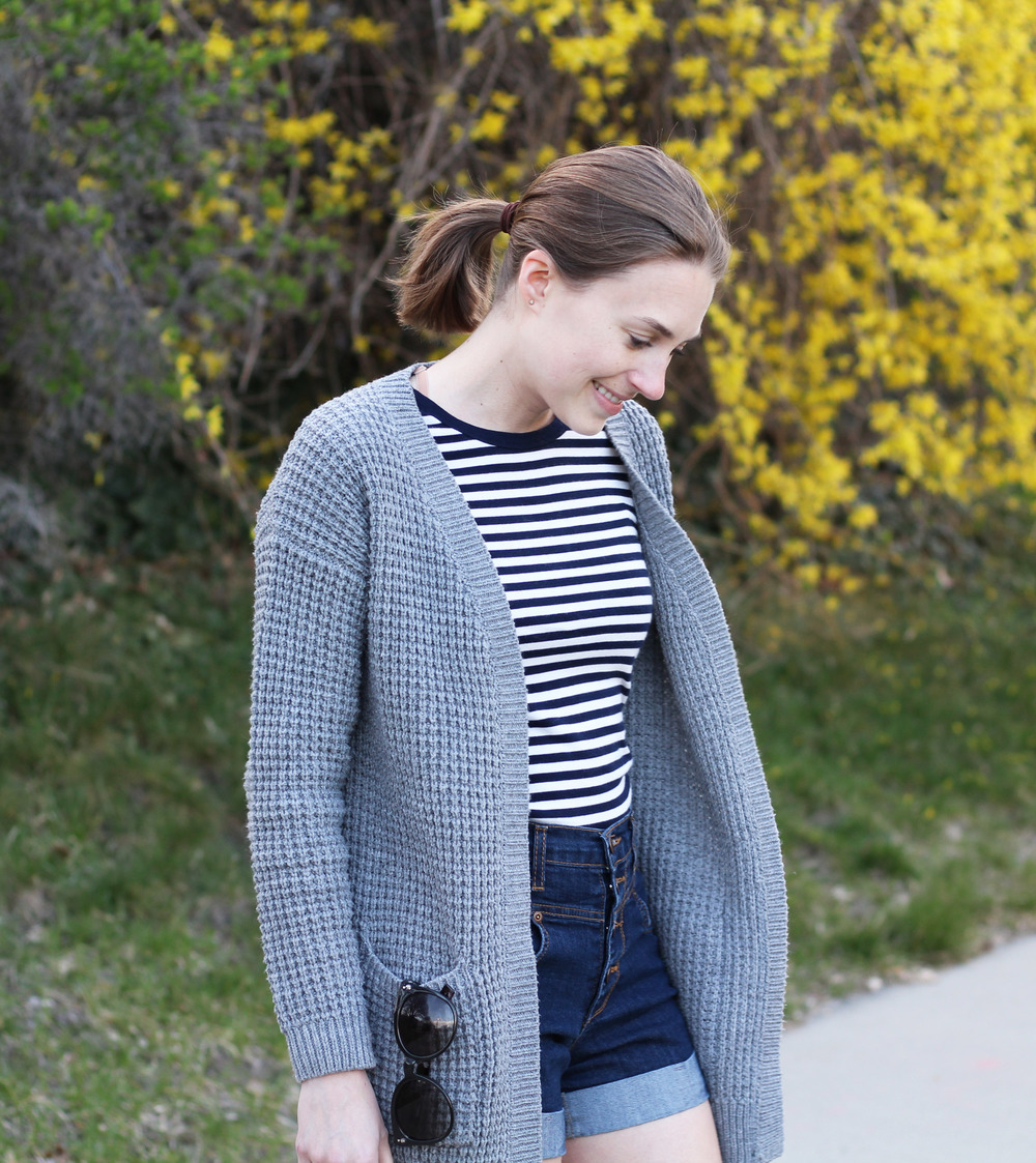 Spring outfit: grey cardigan + navy stripes + high-rise shorts — Cotton Cashmere Cat Hair