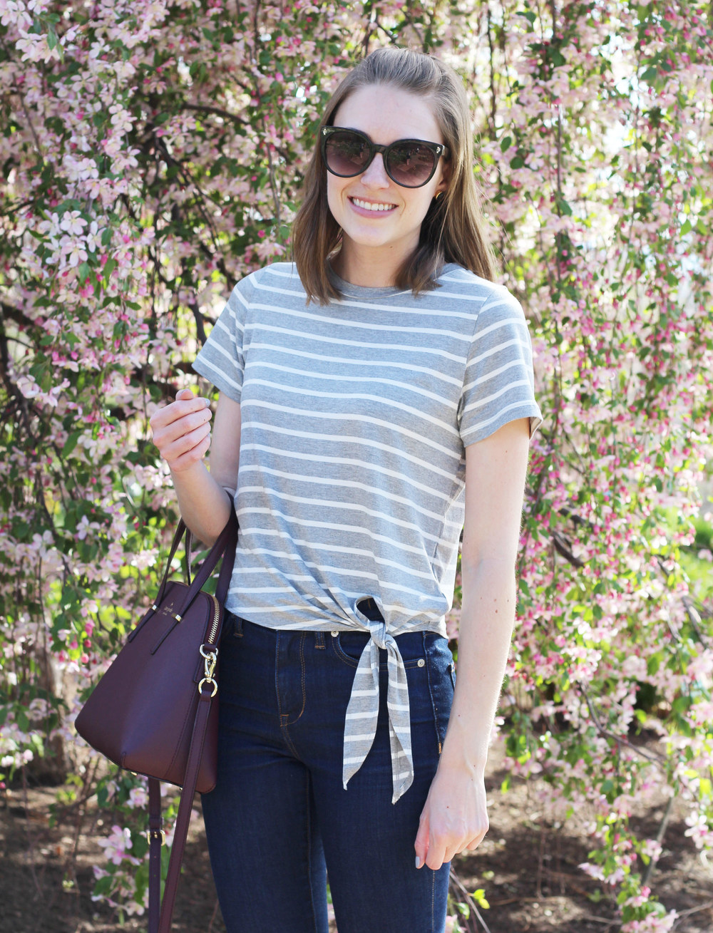 Amour Vert side-tie tee, skinny jeans, Kate Spade 'Cedar Street Maise' bag — Cotton Cashmere Cat Hair