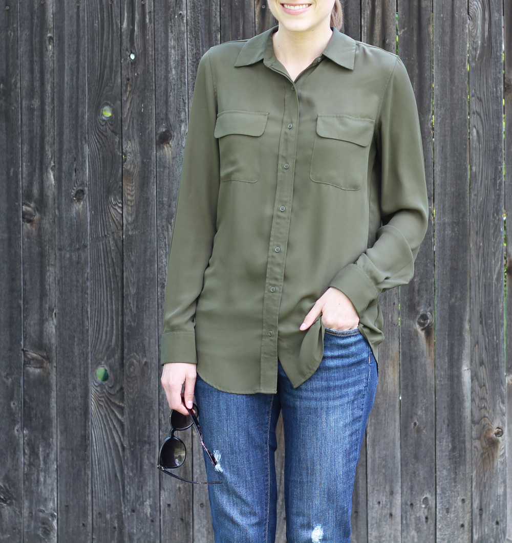 Spring outfit: Olive green shirt + boyfriend jeans — Cotton Cashmere Cat Hair